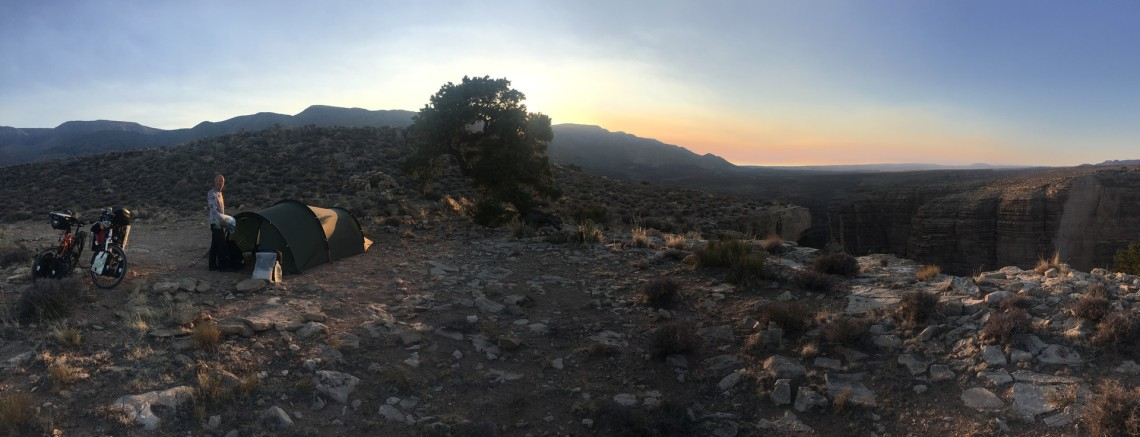 2017-10-26 Cameron_Wild Camp On The Edge-46