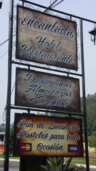 2018-04-26 Hotel Encantada_Panajachel-1